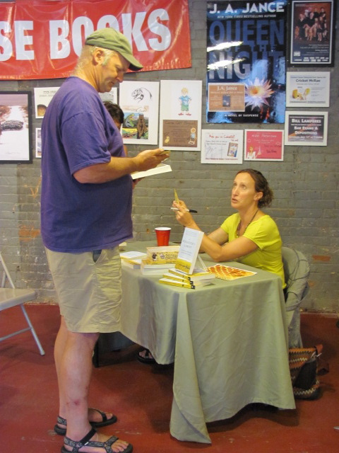 HannahBooksigning